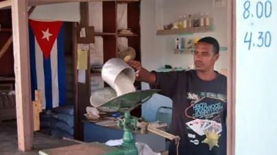 Consumidores sin derecho, irregularidades del mercado estatal cubano