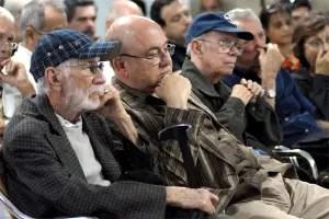 Viejos-funcionarios-de-la-UNEAC_foto-tomada-de-internet
