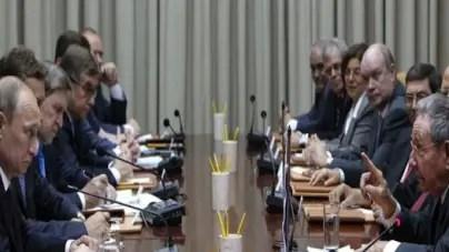 Putin y Raúl Castro firman acuerdos en La Habana