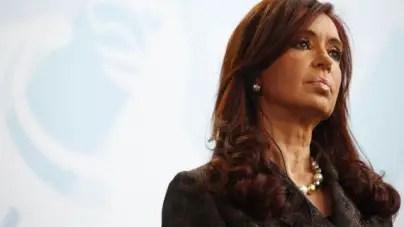 Juez lleva a juicio a Cristina Fernández en plena campaña electoral