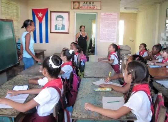 Resultado de imagen para Foto aula cubana