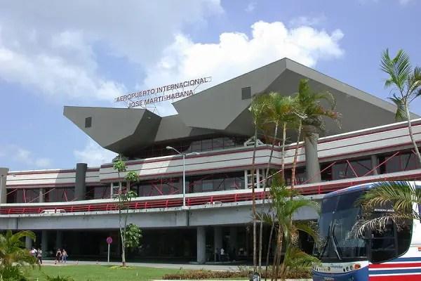cuba fronteras aeropuertos vuelos comerciales turistas turismo coronavirus covid-19