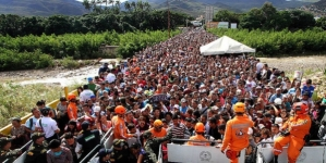 Venezuela: casi el 20 por ciento de la población ha huido, según encuesta