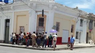 La odisea de una cola en Cuba para comprar carne