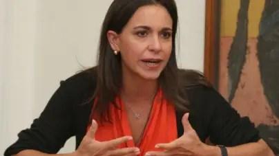 """María Corina Machado: Maduro solo dejará el poder """"a la fuerza"""""""