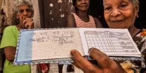 """Régimen niega que esté multando a cubanos por no actualizar """"la libreta"""""""