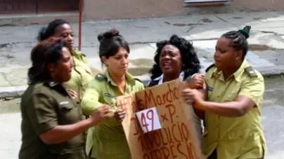 Damas de Blanco denuncian una campaña en su contra