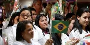 Brasil autoriza a más de 350 médicos cubanos volver a ejercer en el país