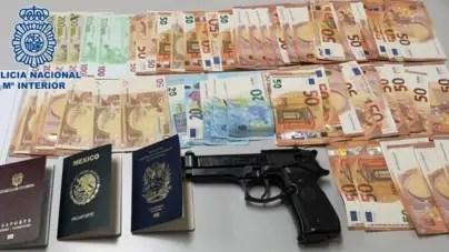 Detienen a dos cubanos acusados de prostituir a mujeres en España
