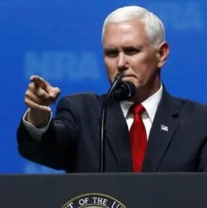 """Viva Cuba Libre"": la arenga de Mike Pence ante cientos de personas en Florida"