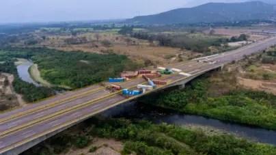 FOTOS: Régimen chavista refuerza bloqueo de puente fronterizo con Colombia