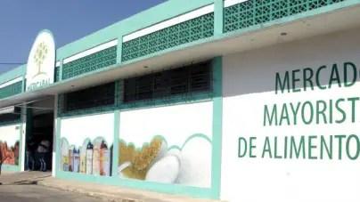 Régimen cubano abrirá red mayorista a trabajadores por cuenta propia