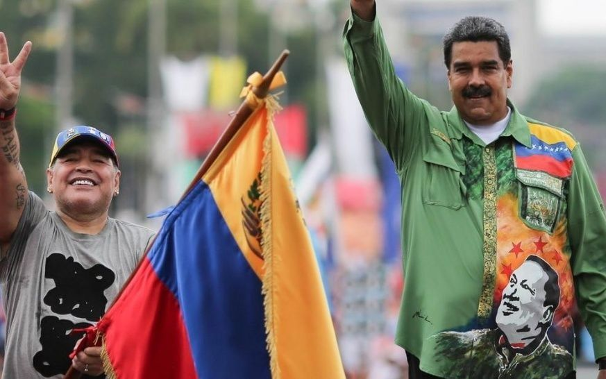 Diego Armando Maradona y Nicolas Maduro en Caracas