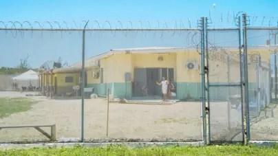 Cubanos detenidos hace 7 meses en Islas Caimán podrán residir en viviendas