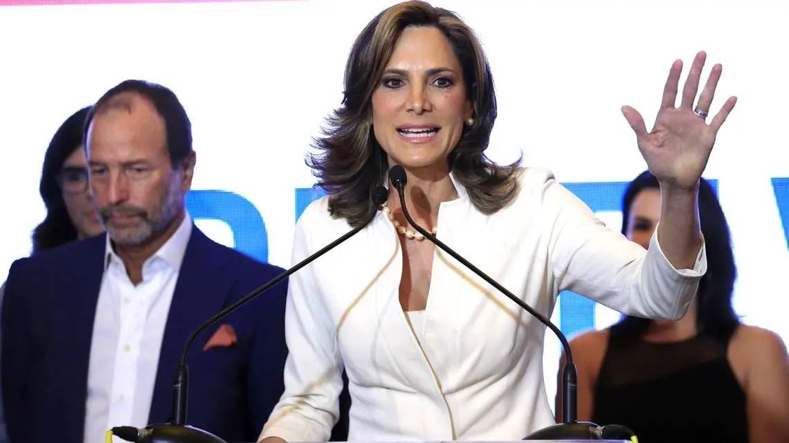 María Elvira Salazar cubanos