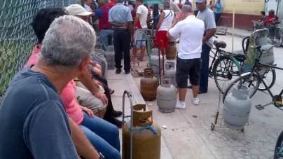 Racionan en Cuba la venta de gas licuado ante crisis venezolana