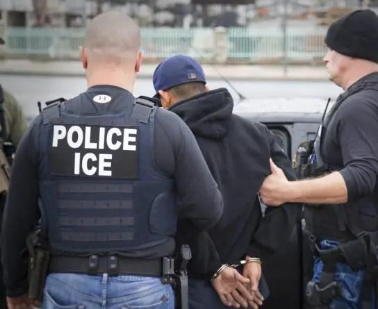 """EE.UU. insta a quienes pretendan entrar al país ilegalmente: """"quédense en casa"""""""