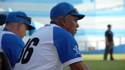 """Anglada critica """"inventos"""" y """"barbaridades"""" del béisbol cubano"""