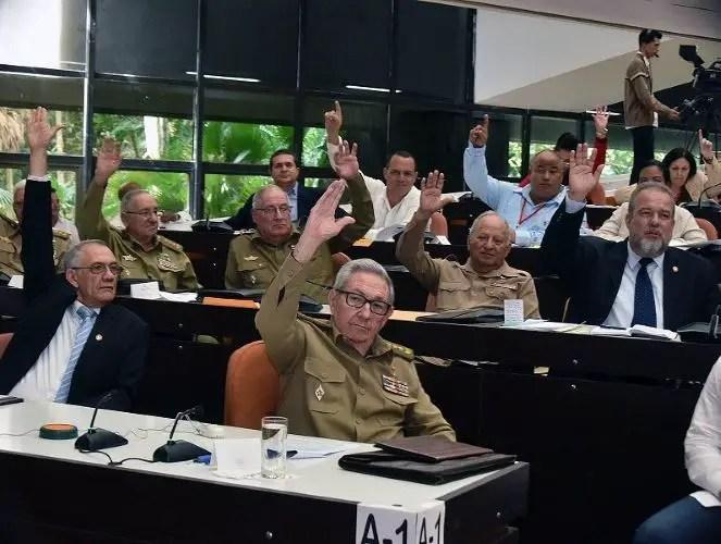 cuba Juan Juan Almeida militares generales raúl castro manuel marrero far