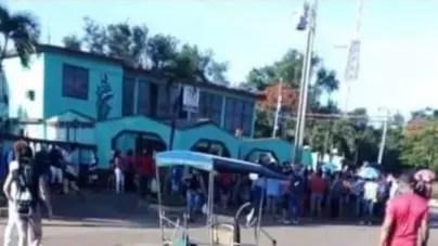 Cubanos protestan en Holguín por la escasez de comida y productos de aseo