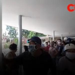 """""""¡Está bueno ya de abuso!"""": cubano protesta frente a tienda de La Habana"""