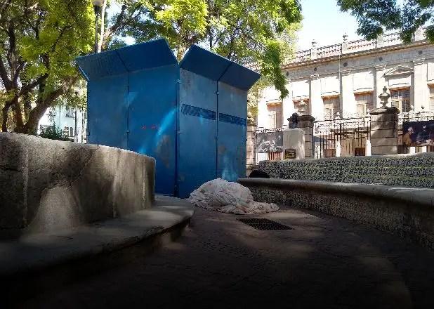 En una caja de metal y rodeados de ratas: así están Fidel y el Che en Ciudad de México