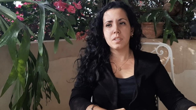 Régimen libera a Camila Acosta tras casi 10 horas de detención