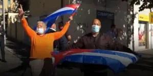 """""""Ya no nos intimidan"""": Cubanos residentes en Italia protestan contra el régimen de la Isla"""