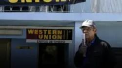 EE.UU. prohíbe envío de remesas a Cuba a través de empresas vinculadas a militares