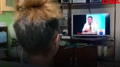"""Teleclases en Cuba: """"Los alumnos van a pasar de grado a la cañona"""""""