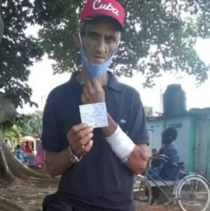Multan a cubano enfermo por quitarse el nasobuco en área despoblada