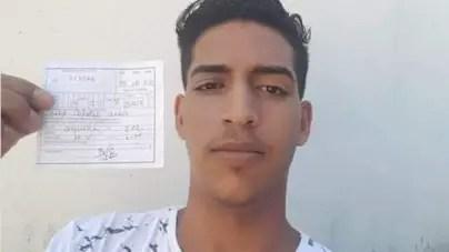 Multa de 2000 pesos a bloguero por ingerir alcohol en parque de La Habana