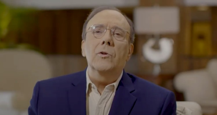 Carlos Alberto Montaner defiende a Joe Biden en anuncio político