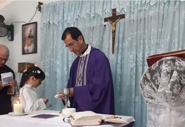Padre Alberto Reyes Pías, Cuba, Iglesia
