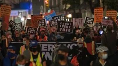 Decenas de detenidos en Nueva York, Portland y Mineápolis por disturbios anti Trump
