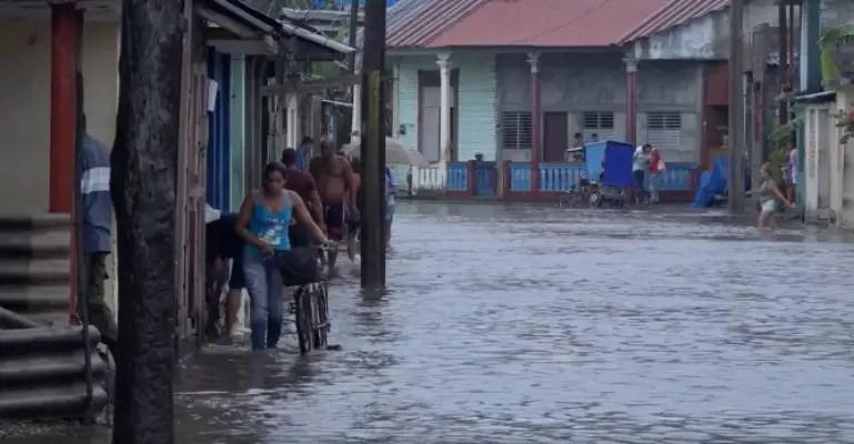 Intensas lluvias provocan inundaciones en Baracoa