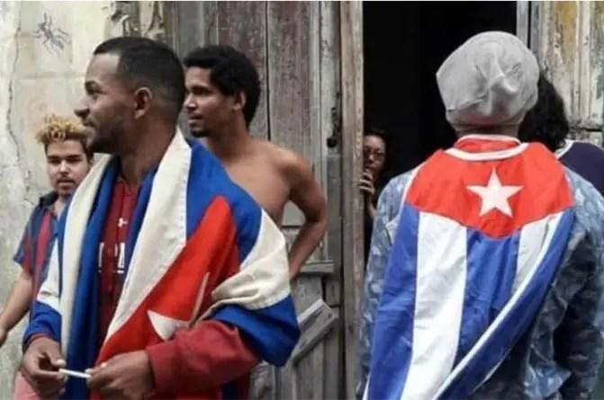 Activistas mantienen huelga en San Isidro, pese amenazas contra familiares