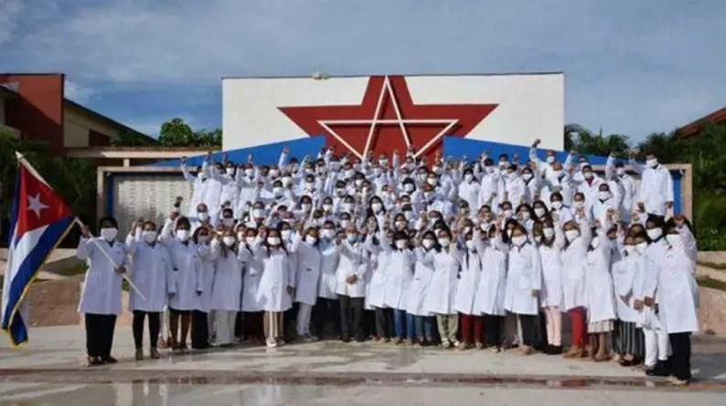 El viaje de un destacamento médico cubano a Azerbaiyán