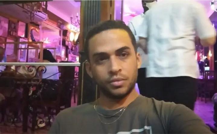 """""""Lloré mucho, el dolor me mataba"""": reportero denuncia golpiza de la policía"""