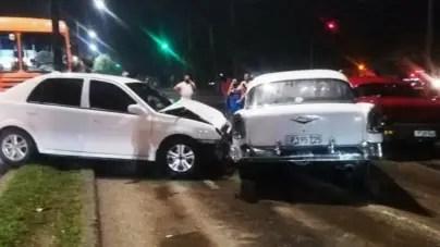 Accidente múltiple en La Habana involucra una guagua y 5 vehículos
