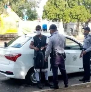 Detienen en La Habana a activistas que exigían liberación de Denis Solís