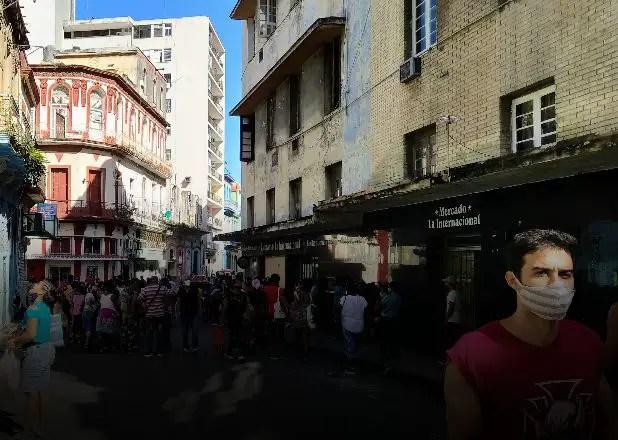 Cuba: Detrás de los aumentos se esconde la tragedia de los despidos