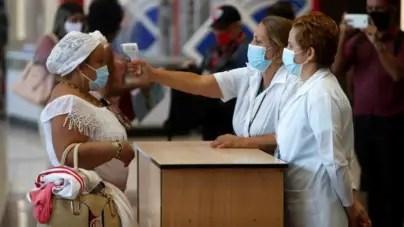 En contra del reglamento internacional, Cuba cobra tasa sanitaria a viajeros