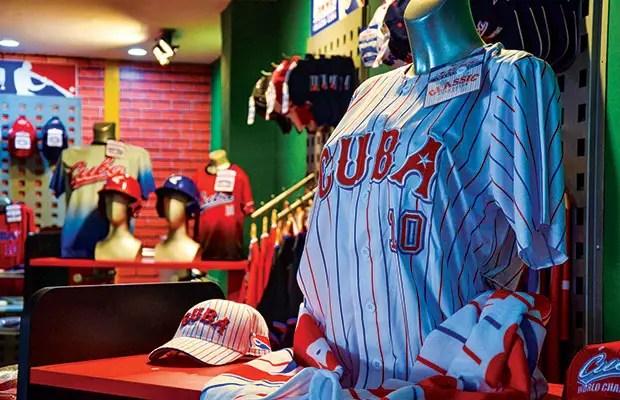 Tiendas Caracol para el turismo en Cuba pasan a dólares