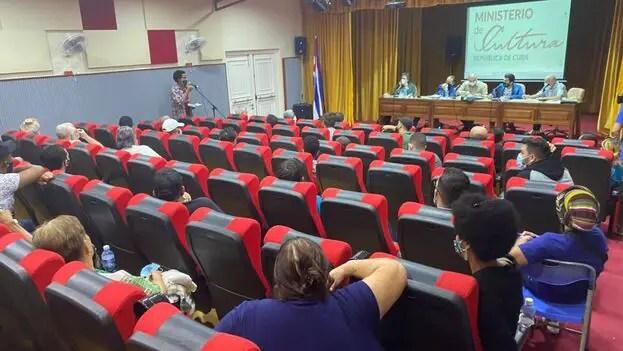 """El """"diálogo"""" en Cuba es un monólogo a punta de pistola"""