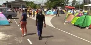 Una treintena de cubanos abandona caravana de migrantes en Surinam