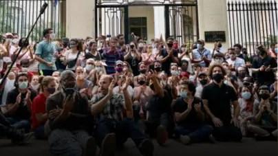 "27N llama a ""reconstruir"" manifestación frente al MINCULT"