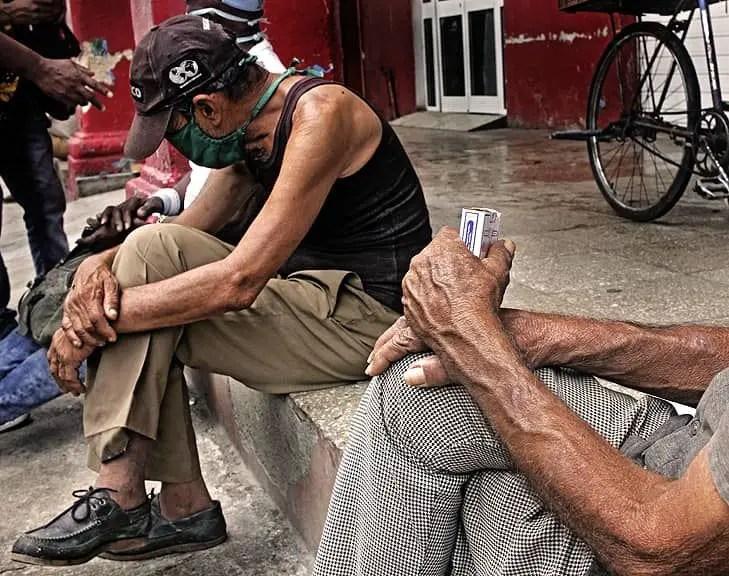 cuba hambre pobreza crisis economía dólar cuc peso doble moneda reforma monetaria MLC dólares tarea ordenamiento
