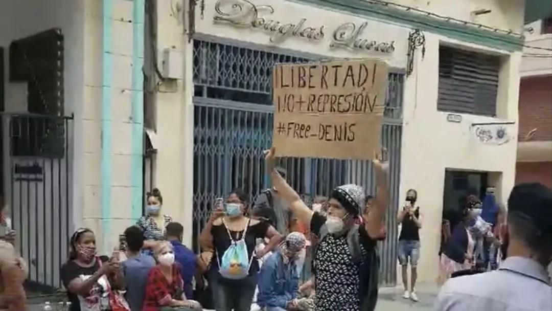 cuba cubano joven habana boulevard san rafael protesta denis solis movimiento san isidro represión ministerio de cultura mincult