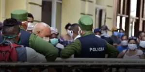 """Represión en las calles y derechos humanos en las páginas de """"Granma"""""""